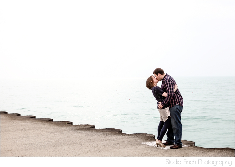 Lake Michigan Chicago Engagment Photo by Studio Finch