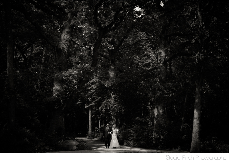 elmhurst mansion chicago wedding photographer outdoor ceremony photography_0021