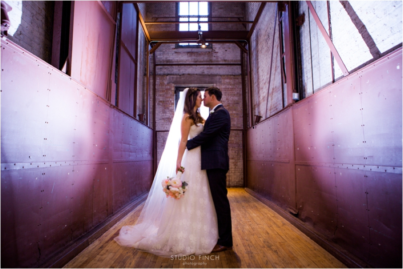 Chicago Wedding Photographer Bridgeport Art Gallery Wedding Photography Studio Finch Best_0020