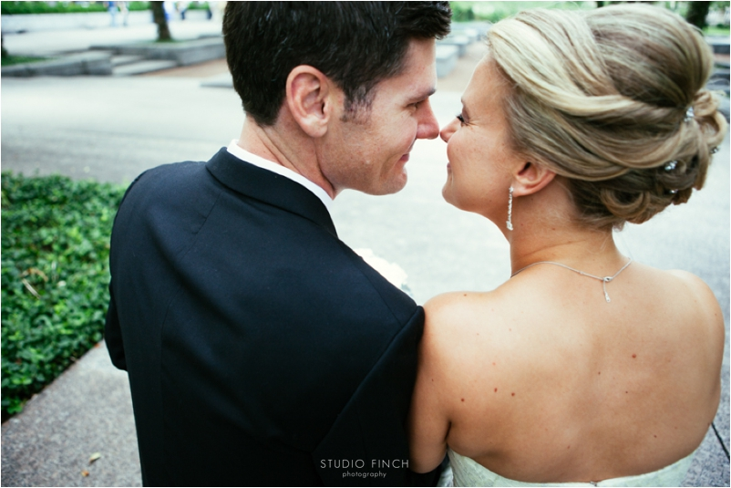 Spiaggia Wedding Chicago Photographer Editorial Photography Studio Finch Modern_0020