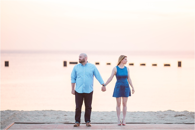 Chicago engagement photographer sunrise beach lifestyle photos wedding cityview lofts_0002