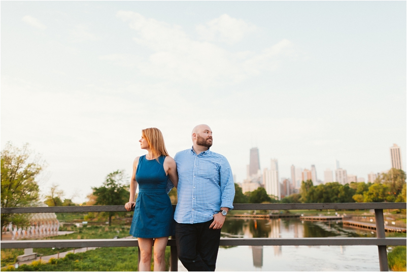 Chicago engagement photographer sunrise beach lifestyle photos wedding cityview lofts_0010