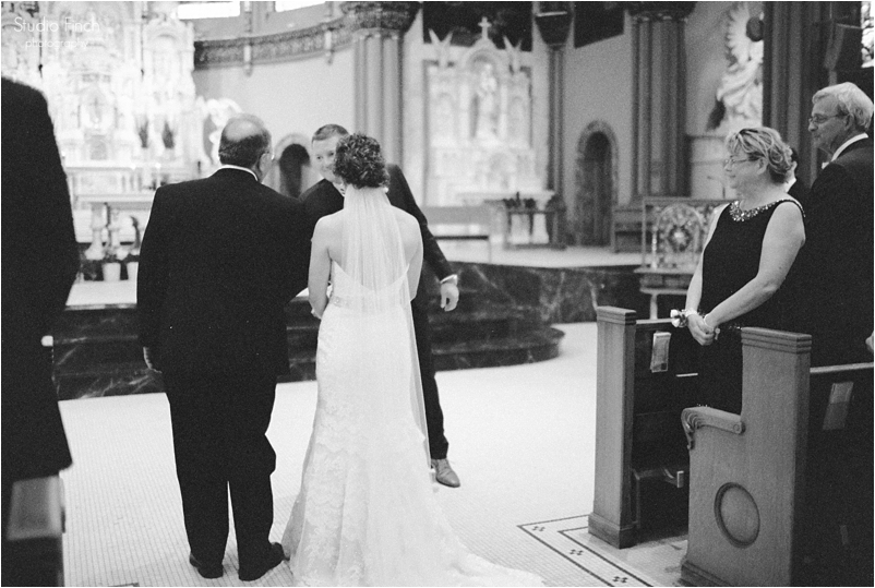 Chicago wedding photo ravenswood event center loft photography vsco contax645 lifestyle photojournalist studio finch_0035c