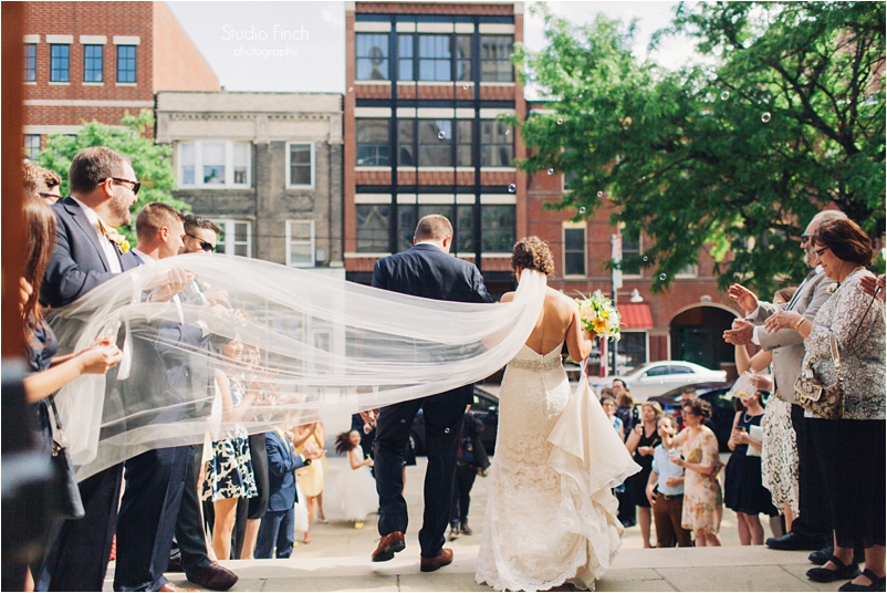 Chicago wedding photo ravenswood event center loft photography vsco contax645 lifestyle photojournalist studio finch_0051
