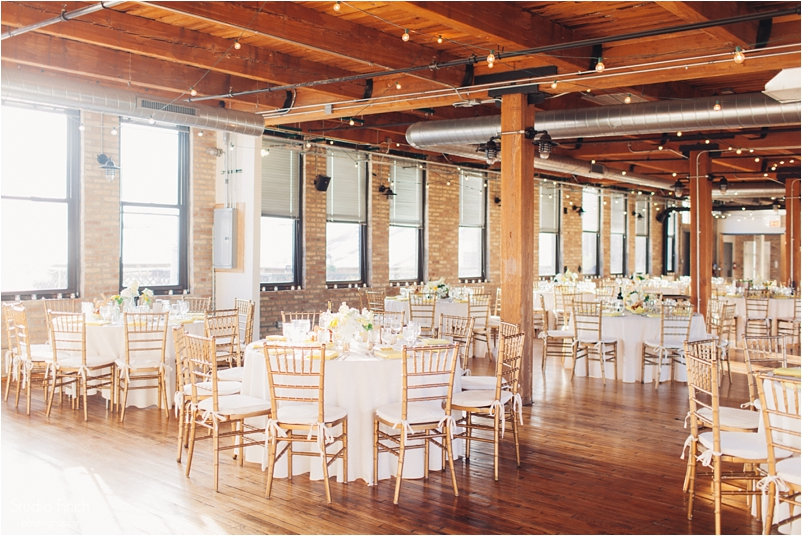 Chicago wedding photo ravenswood event center loft photography vsco contax645 lifestyle photojournalist studio finch_0077