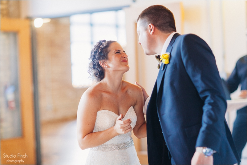 Chicago wedding photo ravenswood event center loft photography vsco contax645 lifestyle photojournalist studio finch_0093