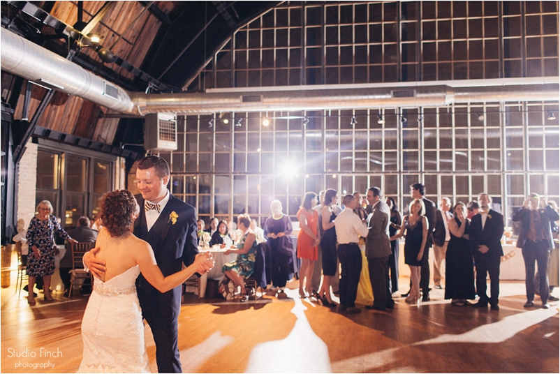 Chicago wedding photo ravenswood event center loft photography vsco contax645 lifestyle photojournalist studio finch_0110